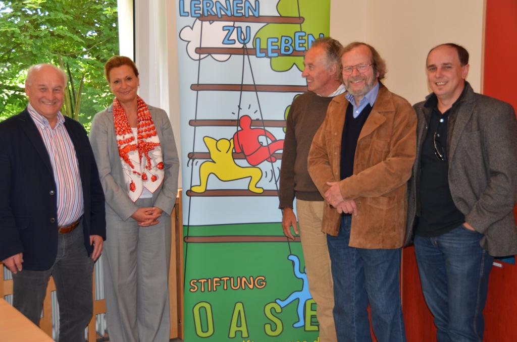 v.l. Franz-Josef Hülsmann, Oase; Dr. Beate – Maria Zimmermann, Stiftung Stahlwerk GMHütte, Bernward Teuwsen, Oase, Dr. Eckhard Schiffer, Norbert Mesch, Oase